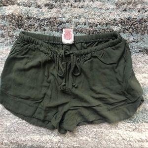 NWOT Mossimo green shorts
